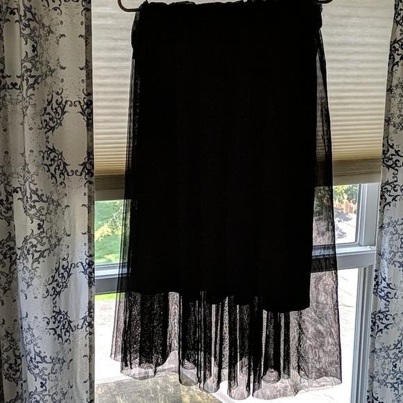 H&M Dresses & Skirts - Black tulle skirt